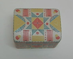 Box with Eight-Pointed Star Quilt Pattern (top view)