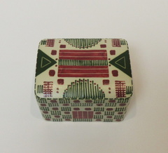 Red and Green Quillwork Rectangular covered container- top detail